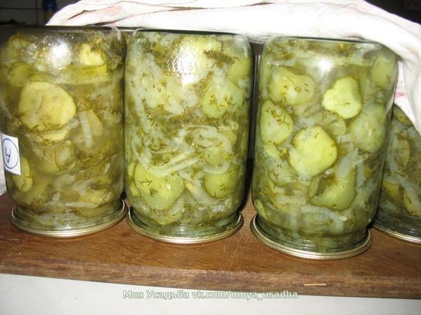 Салат из огурцов на зиму Зимний король Это один из самых распространенных рецептов салата из огурцов на зиму. Дешево и сердито. Bкусный и простой салат - продукты для него нужны самые