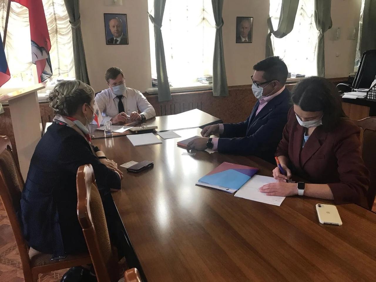 В администрации Петровского района состоялась рабочая встреча с руководителем регионального филиала Ростелекома