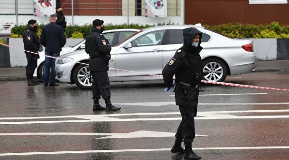 """Полиция задержала мужчину, захватившего офис """"Альфа-банка"""" в центре Москвы"""