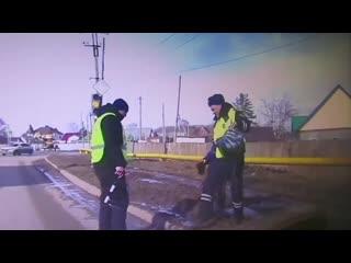 В Самарской области полицейские спасли школьника из грязи