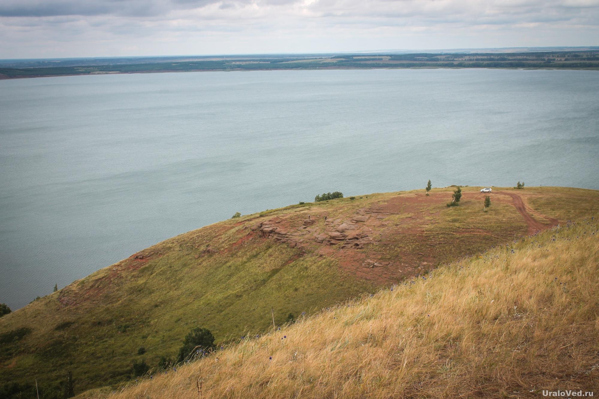 Озеро Аслыкуль с горы Ташлытау