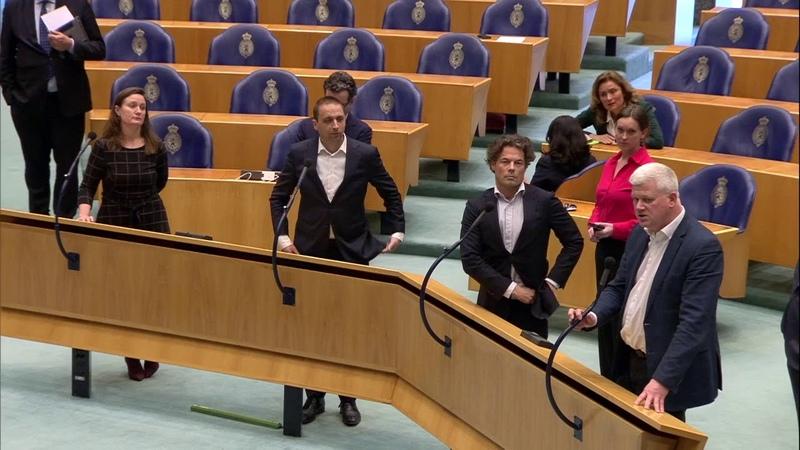 Overwinning voor Geert Wilders Tweede Kamer gaat over zijn proces debatteren En DENK is boos