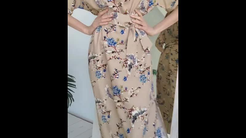 Добавьте немного азиатских ноток в свой гардероб💮Это всегда очень необычно и модно Платье кимоно с потрясающим азиатским принт