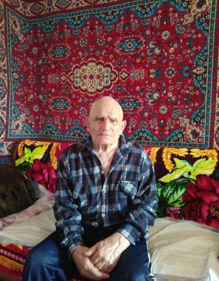 Сегодня 90-летний юбилей отмечает житель посёлка Космомольский Петровского района Иван Дмитриевич КОЩАКОВ