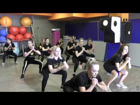 Конкурс красоты Мисс Империал Приседание в FoxFitness 4К видео