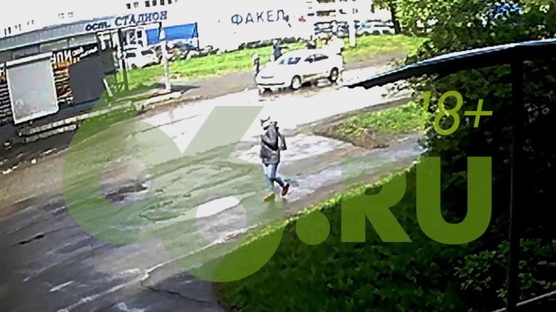Женщина-таксист напала на пассажиров