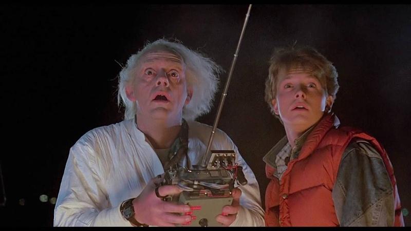 фрагмент из фильма Назад в будущее DeLorean