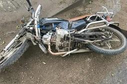 Полночная авария отправила юного водителя мопеда в больницу