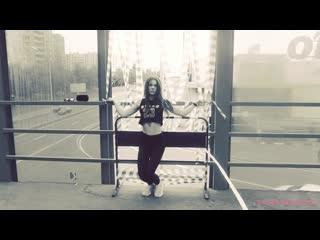 Azaleh -  Moonlight Dasha Vasilcova   Backstage