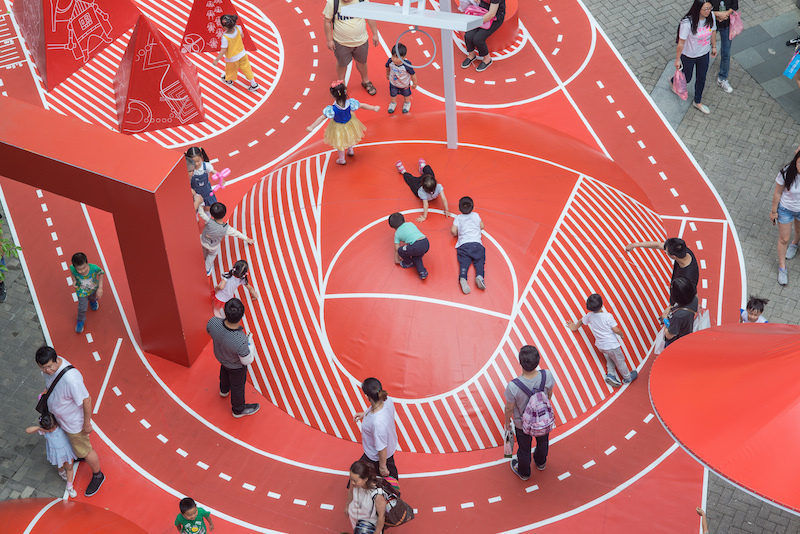 Сюрреалистичная детская площадка вКитае