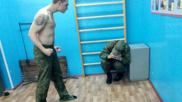 Нескончаемую дедовщину в армии попытались объяснить. Ни для кого не секрет, что до сих пор в российской армии наблюдается проблема дедовщины, что подтверждается и недавним случаем с расстрелом 8