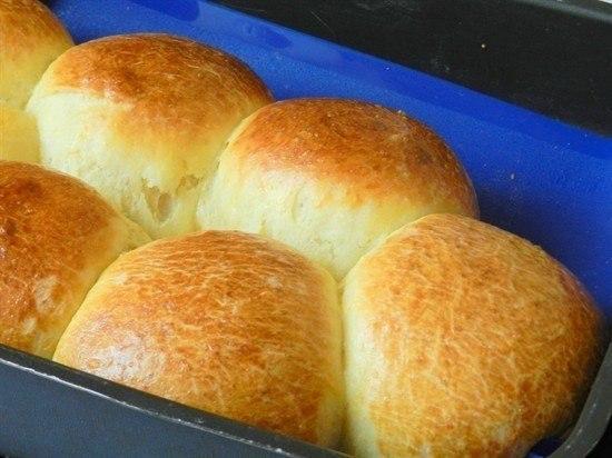 Творожно-апельсиновые булочки нереально мягкие! Сегодня у меня для вас рецепт невероятно мягких и пышных творожных булочек на дрожжах. С творожным тестом очень приятно иметь дело - оно очень