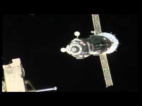 2015 09 04 Стыковка «Союз ТМА 18М» и МКС (работа двигателей причаливания и ориентации)