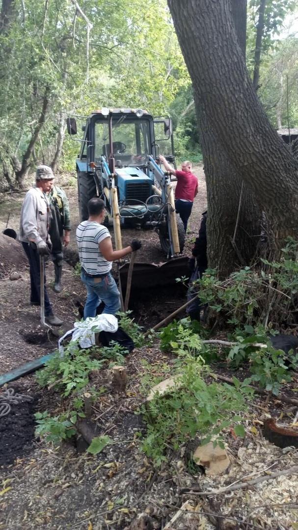 Жители села Вязьмино Петровского района благоустраивают местный родник