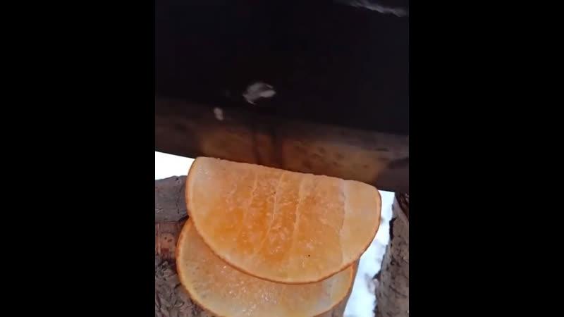 Замёрзший апельсин так интересно выглядит 😁