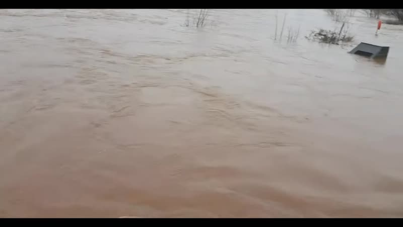 Сильное наводнение в Южном Уэльсе Великобритания за день выпала месячная норма осадков