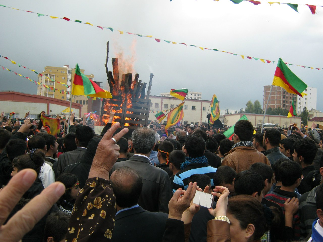 курды празднуют Новруз в Турции