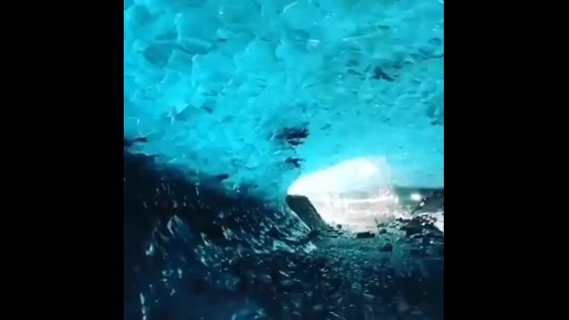 Ледяная пещера Скафтафетль в Исландии Пещера Скафтафетль образована наслоениямиледни