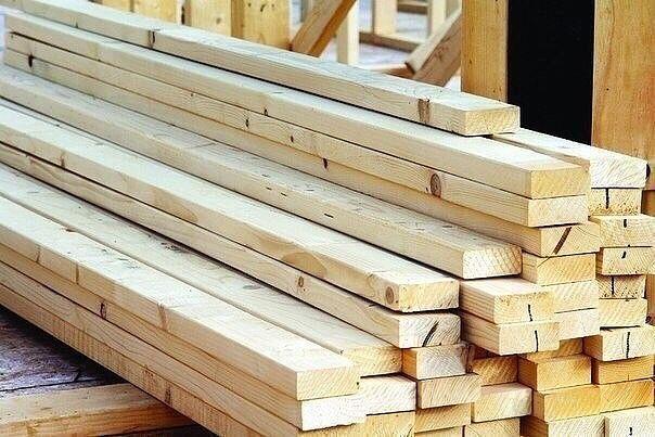 Дачникам на заметку! Сколько будет в кубометре Если вы решили построить дачный домик или баню, то будет полезным взять на заметку сколько же пиломатериалов в одном кубометре: обрезных 6-метровых