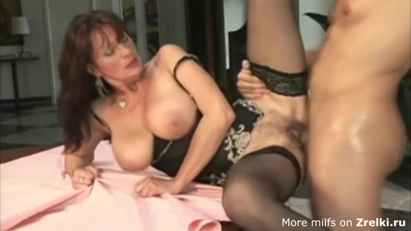 Cute busty mature saggy tits hairy pussy milf mom in black