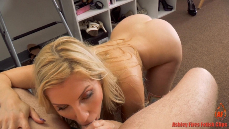 Ashley Fires, Lux Orchid (Mommy Works At A Strip Club / 8/27/16) [2016, Vaginal sex, Double Blowjob, Creampie, 1080p]
