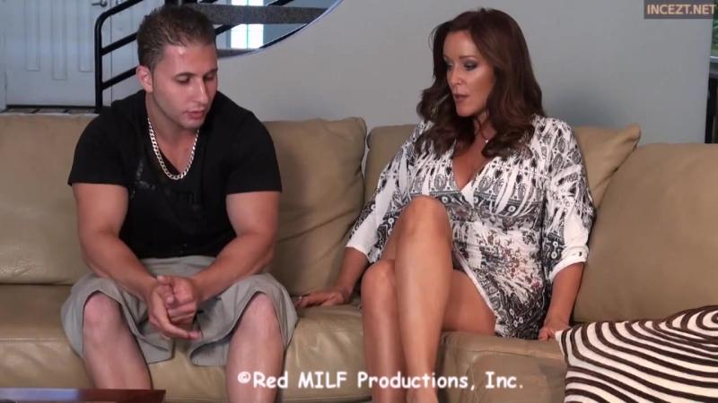 Красивая зрелая женщина делает минет студенту, затем раздвигает ножки. milf mature mom mother Порно секс эротика porno sex fuck