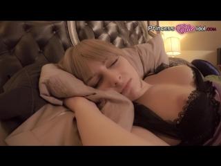 порно видео пока сестра спала