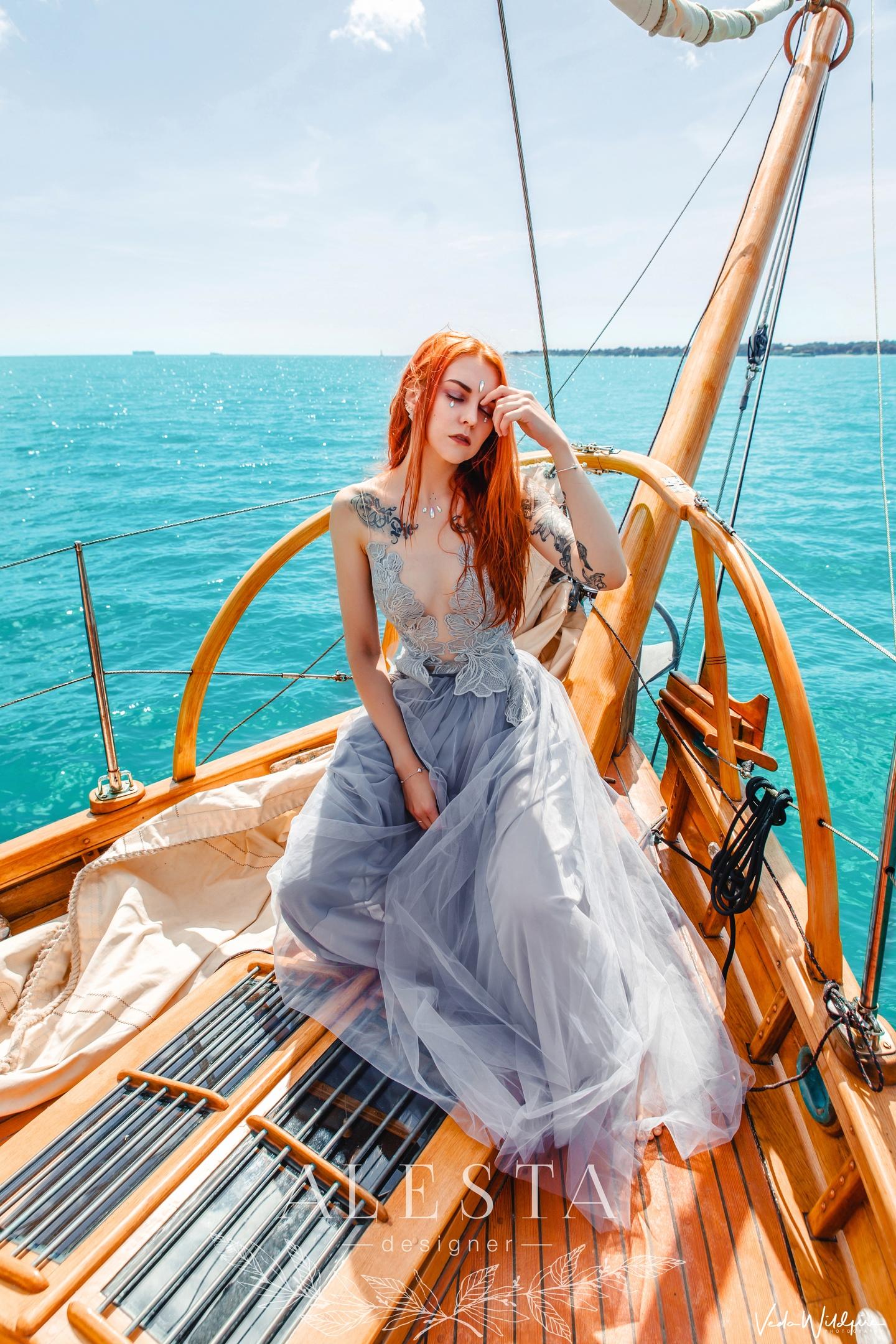 Платье из новой коллекции проделало длинный путь из Уфы до Ветренного Альбиона для спланированной творческой съемки @vedawildfire.