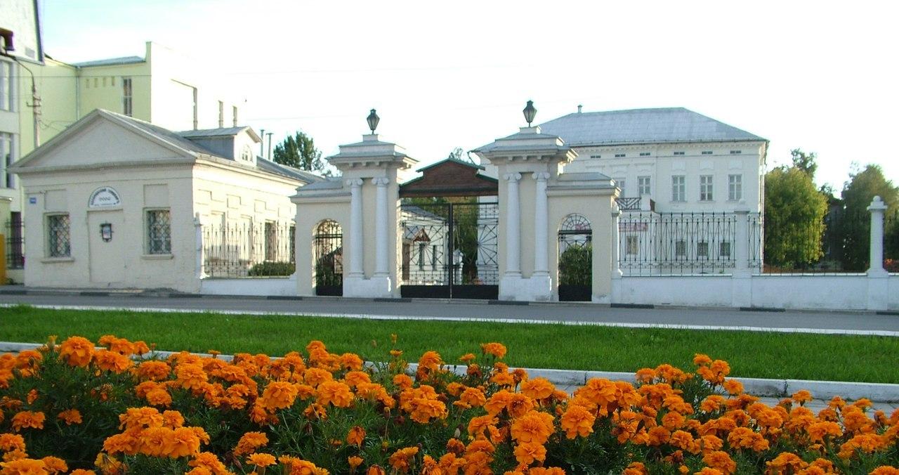 Усадьба купцов Лажечниковых откроет для гостей со всей России выставку «Из пёстрых изразцов»