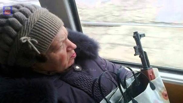 СОСТРАДАНИЕ В районе метро Бауманская к Андрею подошла пожилая женщина в одежде среднего качества: Молодой человек, перекусить не поможете Он решил, что ослышался; что его приглашают к