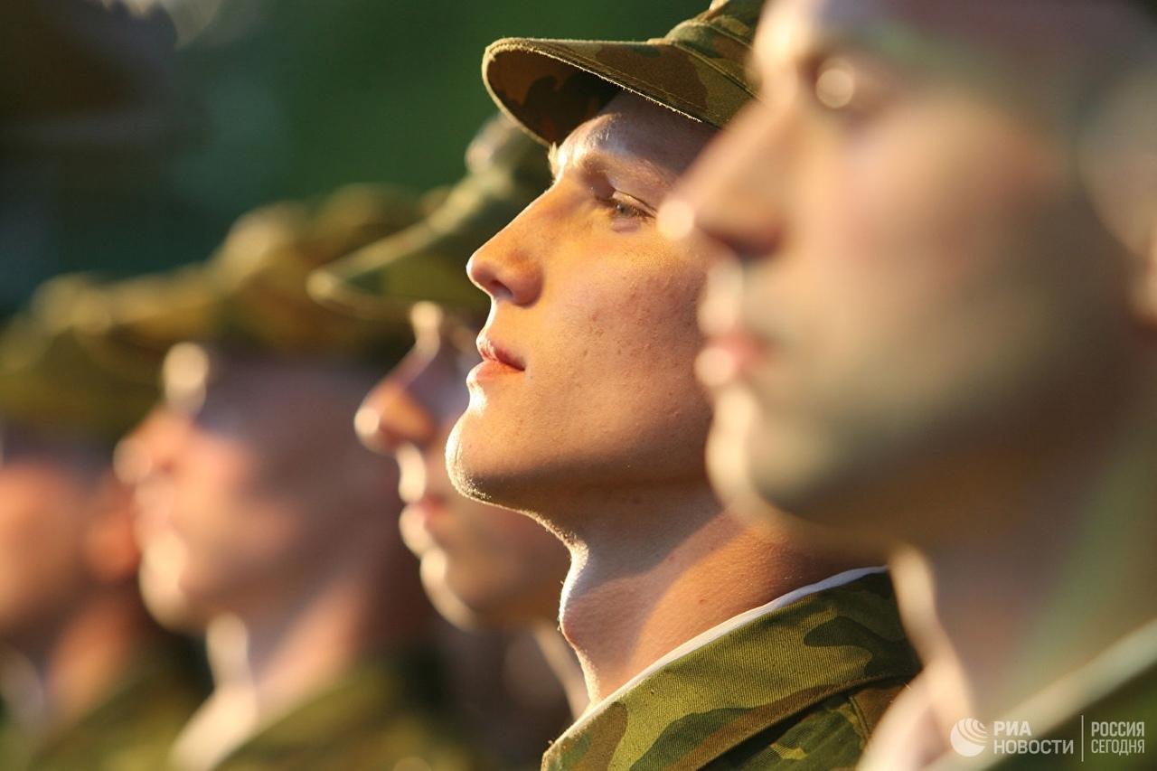 Новобранцев торжественного проводят на службу в Йошкар-Оле