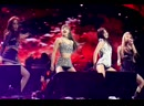 한국 시간으로 오늘 오후 2시 반, 블랙핑크가 한국 아이돌 그룹 최초로 코첼라 무대에 섰습니다.💃🏻 '뚜두뚜두'로 시작, 신곡 '킬 디스 러브'까지 총 13곡을 불렀고 관객들의 떼창으로 🙌🏼분위기는 후끈 달아올랐죠. 공연은 뉴욕