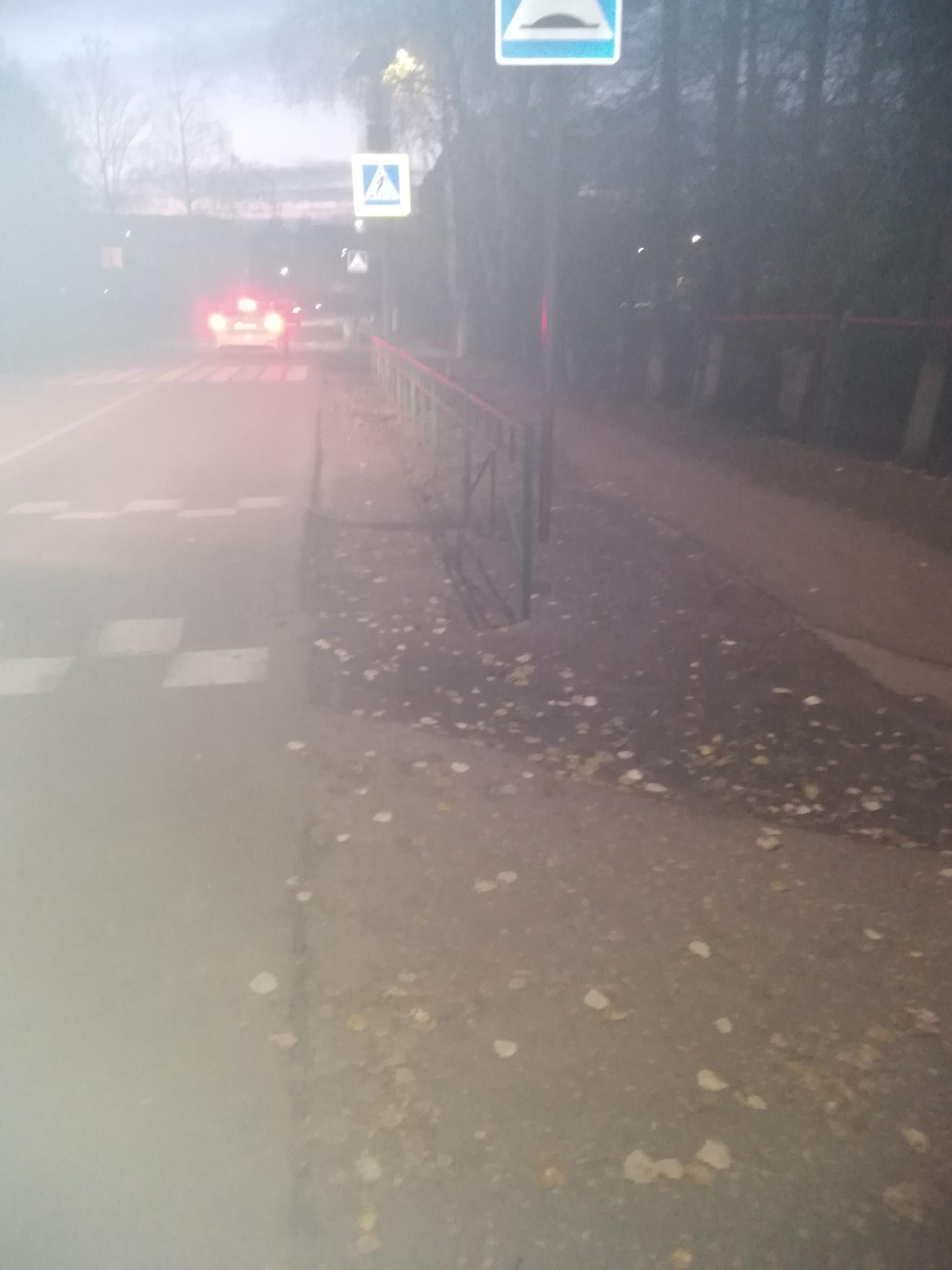 Почему не стали делать тротуар дальше по