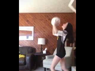 А что, если играть мячом дома _ СМЕШНОЕ ВИДЕО