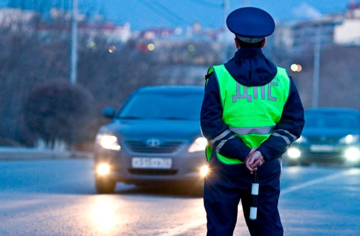 В Самарской области прошли профилактические рейды в которых сотрудники ГИБДД выявляли нарушителей на автомобилях с тонировкой и грязными номерами