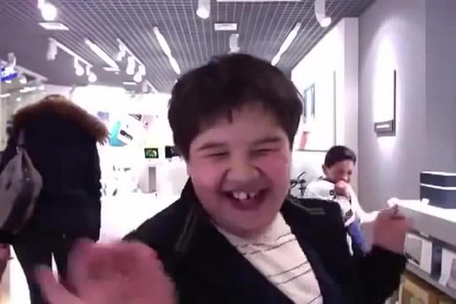 Школьник кривляется в ReStore Feat Елена Ваенга · coub коуб