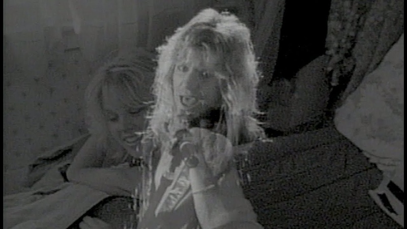 Mötley Crüe - You're All I Need (Official Music Video)