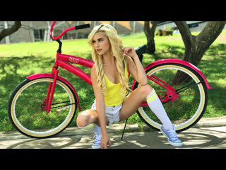 [PetiteHDPorn] Kiara Cole - My Lil Sis Can Ride My Bike And My C