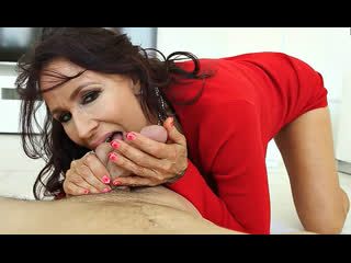 ПОРНО -- ЕЙ 60 -- БАБУЛЯ ПРИСТАЛА К СПОРТИВНОМУ МАЛЬЧИКУ -- granny gilf sex porn --  lisa marie heart