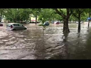Улицы столицы оказались затопленными из-за проливного дождя