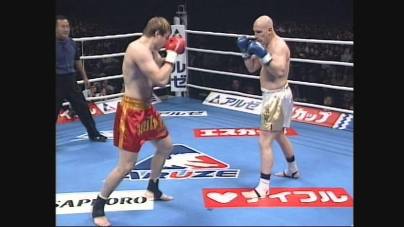 マイク・ベルナルド VS アレクセイ・イグナショフ