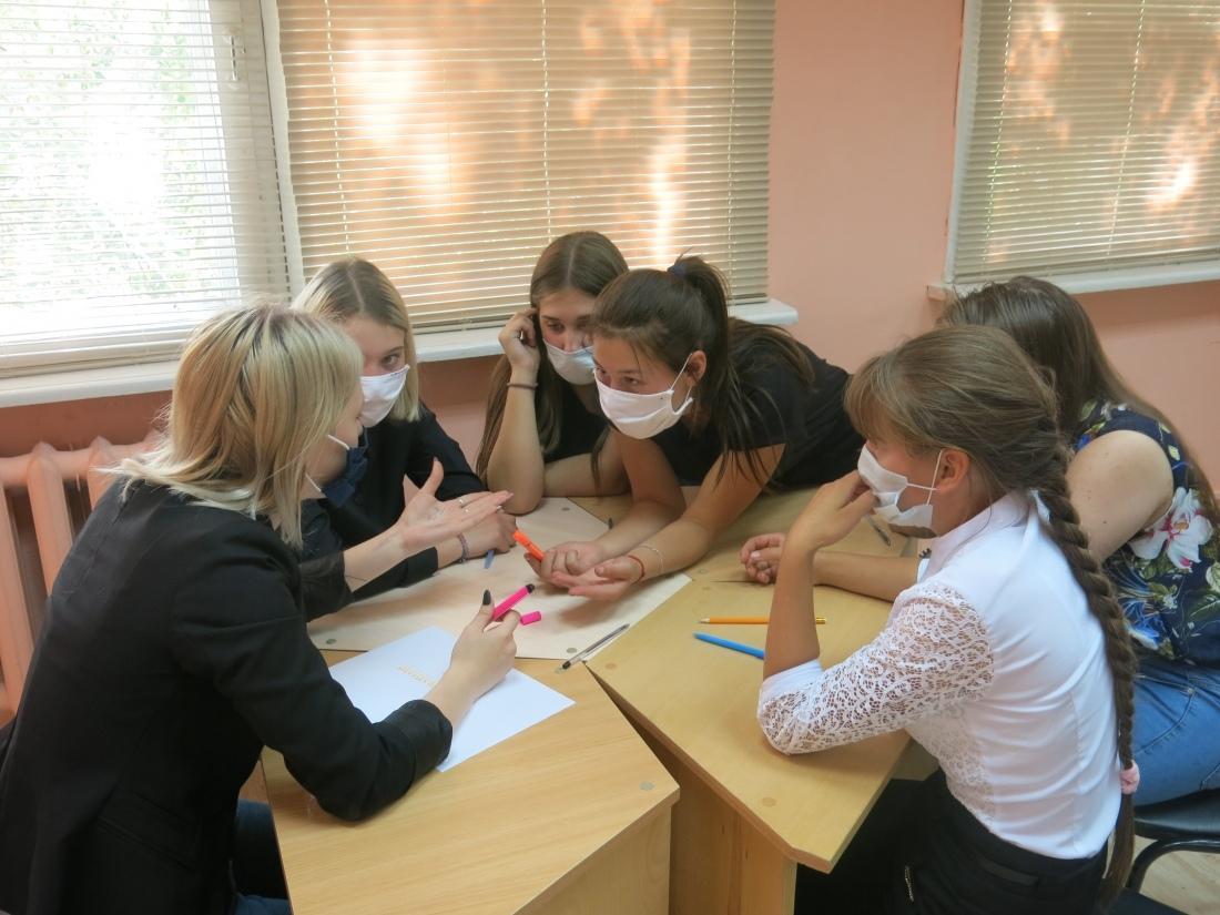 Первокурсники Петровского политеха стали участниками квеста, посвящённого Международному дню грамотности