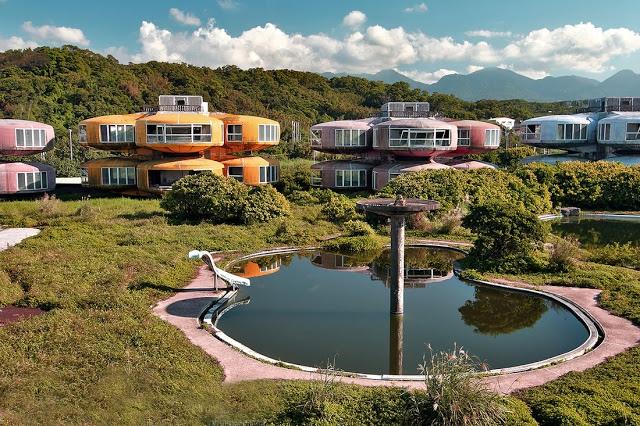 Город Саньчжи с домами-НЛО, Тайвань, изображение №3