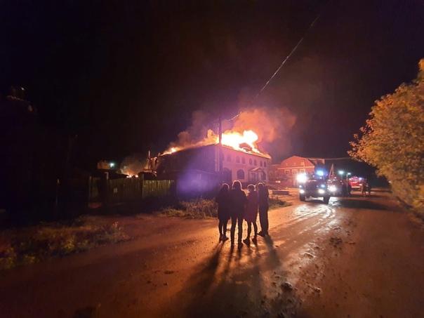 В Верхотурье сгорел торговый центр В ночь на 18 се...