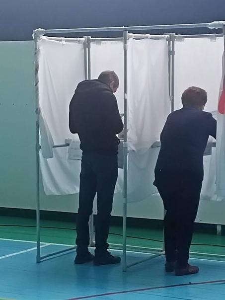 На избирательном участке №3009 по нашему округу. Ф...