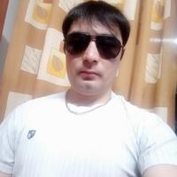Низомжон Давронов