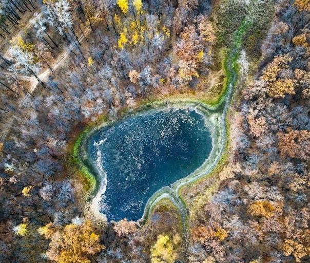 Безымянное озеро в округе Задельного🏕 Фото: Алексе...