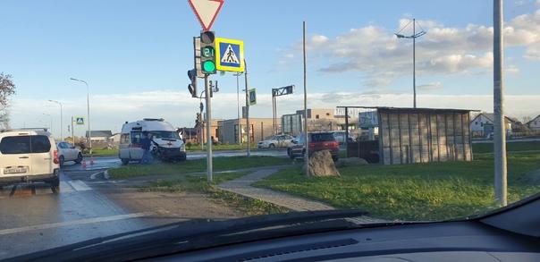 В Зеленоградске сегодня на повороте у Сосновки авт...