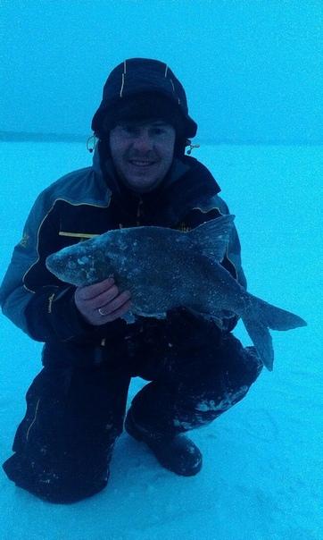 Двое заядлых рыбаков погибли минувшей ночью в Смоленской области Жители Гагаринского района, обрадовавшись устоявшемуся морозу, отправились на зимнюю рыбалку. Когда уже окончательно стемнело,
