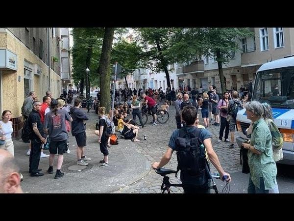 LIVE Proteste in Berlin Neukölln gegen die Räumung der Szene-Kneipe Syndikat